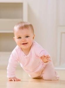 emekleyen-bebek Bebekler Ne Zaman Emekler