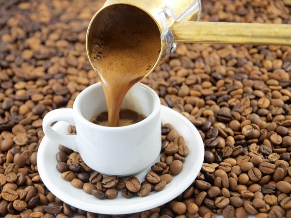 Türk-Kahvesi Türk Kahvesi Sipariş Ederken Kahve İçecek Kişiye Ne Sorulur