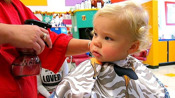 Salon-by-Zeck-bebek-ve-cocuk-sac-kesim-kuforu Bebek ve Çocukları Eğlendiren Saç Kesim Hizmetleri